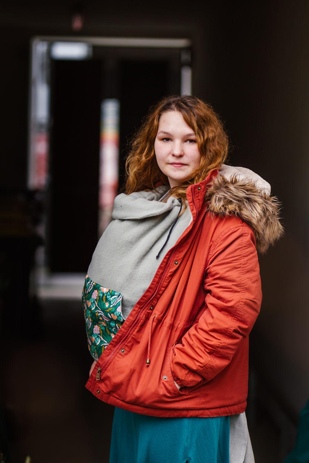 Madame Jordan Tragecover - Wollfleece - mint Schmetterlingswiese